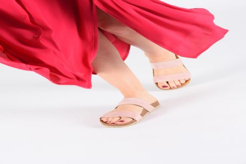 Mules & clogs Bianco 21-49729 Pink view from underneath / model view