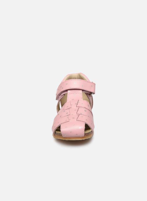 Sandalen Naturino Falcotto Bartlett rosa schuhe getragen