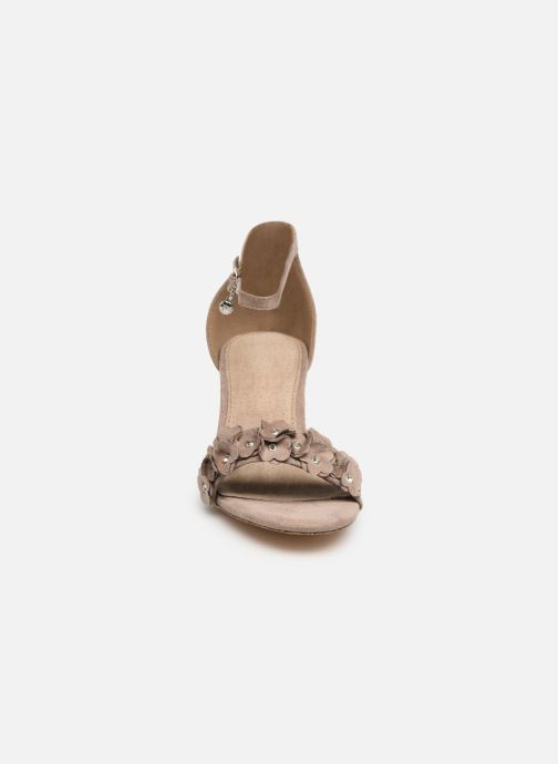 Sandales et nu-pieds Xti 32032 Beige vue portées chaussures