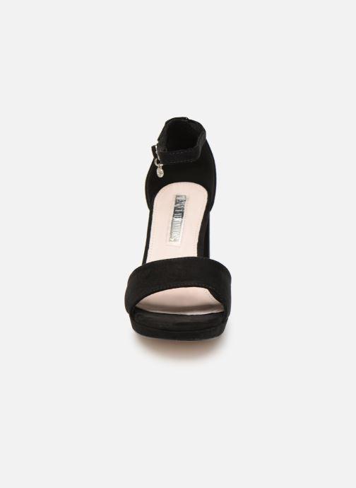Sandales et nu-pieds Xti 35047 Noir vue portées chaussures