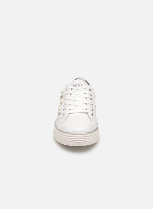 Baskets Xti 48894 Blanc vue portées chaussures