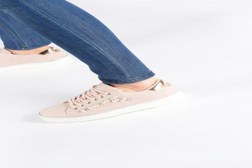 Sneaker Xti 48894 beige ansicht von unten / tasche getragen