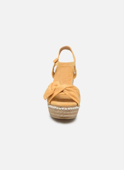 Sandales et nu-pieds Xti 49073 Jaune vue portées chaussures