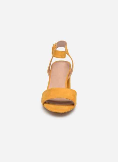 Sandales et nu-pieds ONLY onlAMANDA HEELED SANDAL Jaune vue portées chaussures