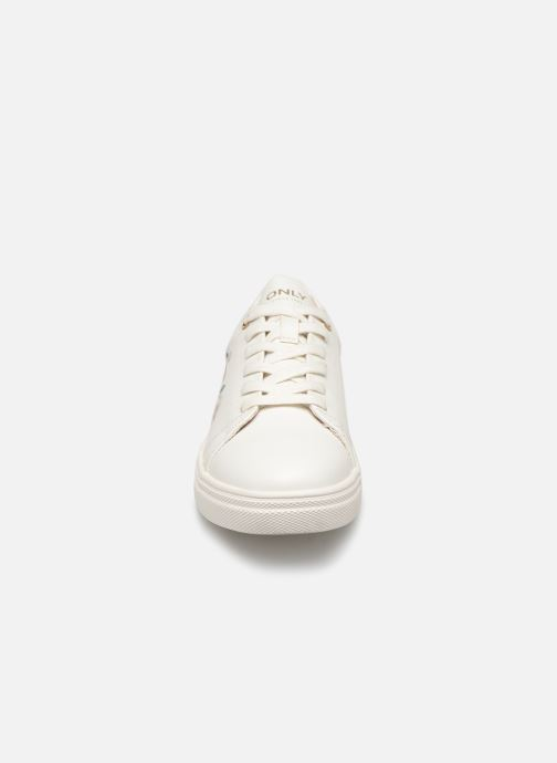 Baskets ONLY onlSAGE EMBROIDERY SNEAKER Blanc vue portées chaussures