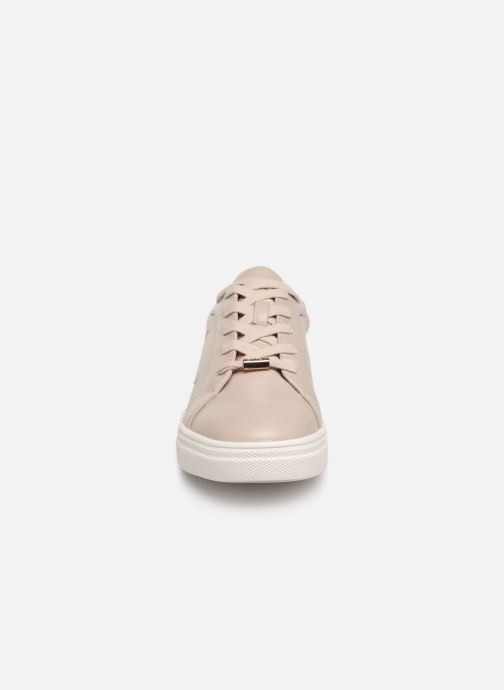 Sneakers ONLY onlSAGE STAR SNEAKER Beige modello indossato