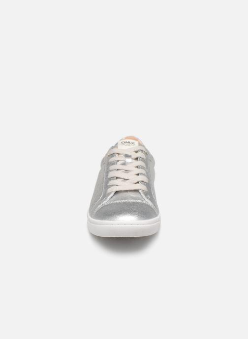 Baskets ONLY onlSILJA GLITTER SNEAKER Argent vue portées chaussures