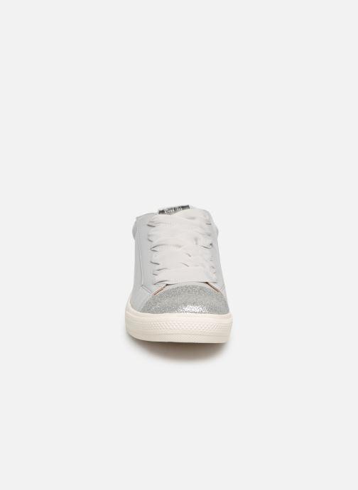 Sneakers ONLY onlSKYE GLITTER TOE CAP SNEAKER Azzurro modello indossato
