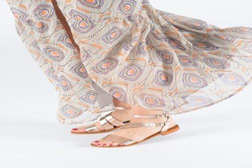 Sandales et nu-pieds L'Atelier Tropézien SB917 Marron vue bas / vue portée sac