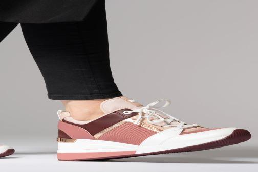 Sneaker Michael Michael Kors Georgie Trainer rosa ansicht von unten / tasche getragen