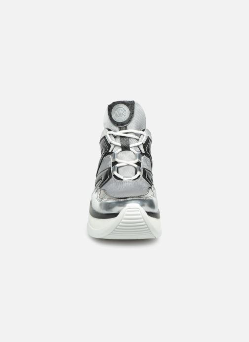 Sneaker Michael Michael Kors Olympia Trainer silber schuhe getragen