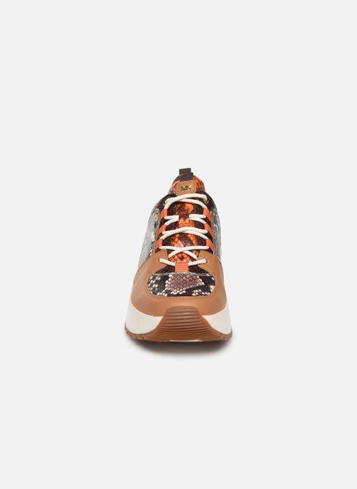 Sneakers Michael Michael Kors Cosmo Trainer Brun se skoene på