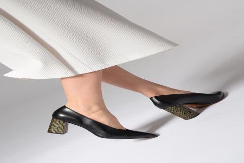 Zapatos de tacón Michael Michael Kors Cambria Pump Rojo vista de abajo