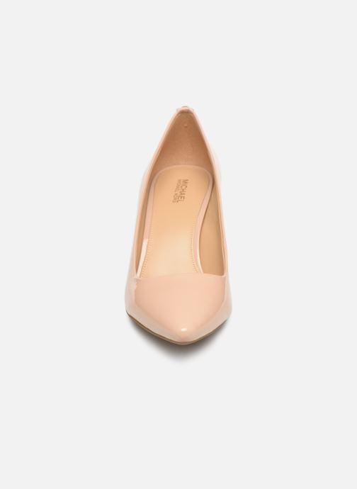 Escarpins Michael Michael Kors Dorothy Flex Pump Beige vue portées chaussures