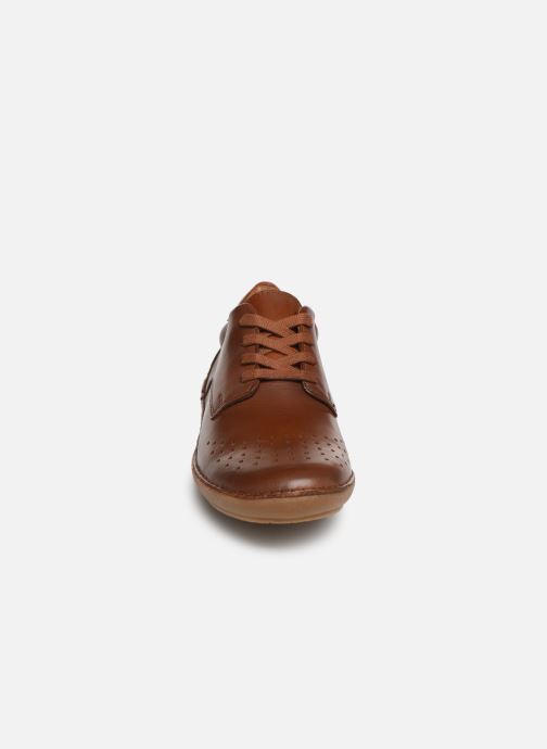 Chaussures à lacets Kickers FOWFOPERF Marron vue portées chaussures