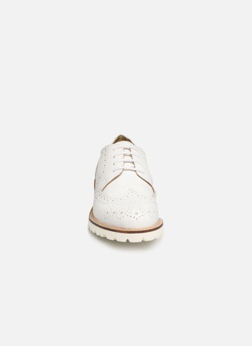 Chaussures à lacets Kickers ROVENTRY Blanc vue portées chaussures