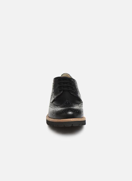 Chaussures à lacets Kickers ROVENTRY Noir vue portées chaussures