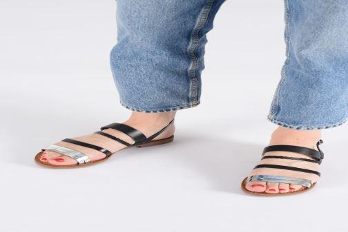 Sandales et nu-pieds Kickers ETHAL Noir vue bas / vue portée sac