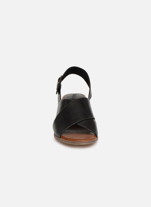Sandales et nu-pieds Kickers VICTORIANE Noir vue portées chaussures