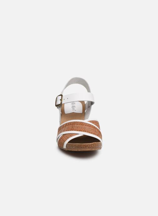 Sandales et nu-pieds Kickers SALAMBO Blanc vue portées chaussures