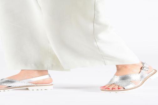 Sandales et nu-pieds Kickers RUPWAY Argent vue bas / vue portée sac