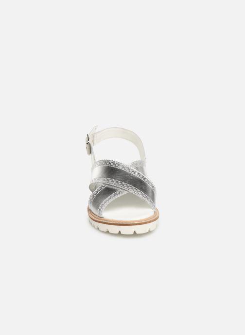 Sandales et nu-pieds Kickers RUPWAY Argent vue portées chaussures