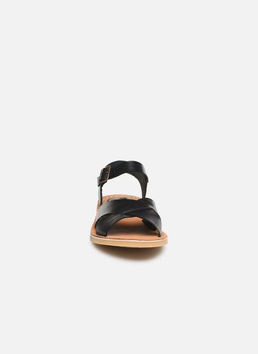 Sandali e scarpe aperte Kickers TILLY Nero modello indossato