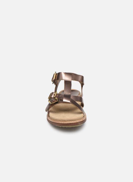 Sandales et nu-pieds Kickers MEENWICH Or et bronze vue portées chaussures