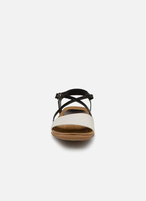 Sandales et nu-pieds Kickers ATOMICK Noir vue portées chaussures