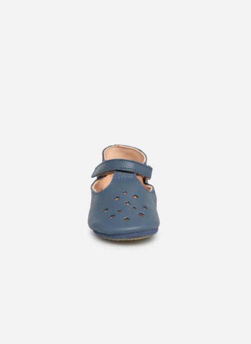 Chaussons Easy Peasy Lillop Bleu vue portées chaussures