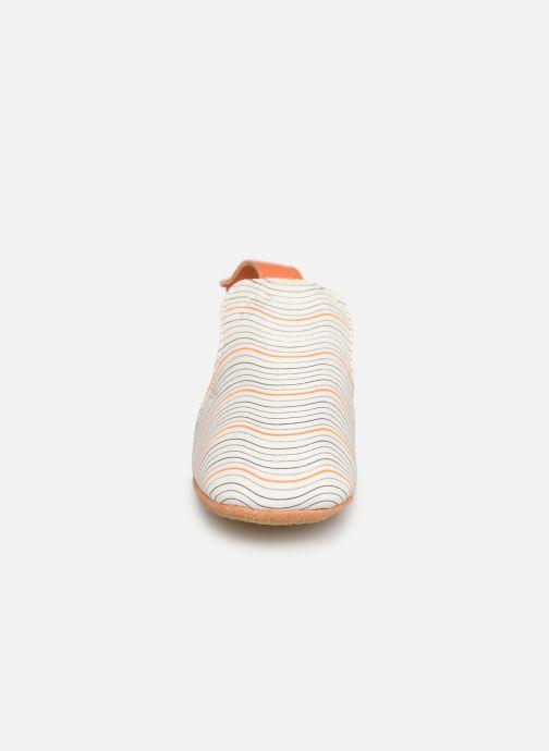 Hausschuhe Easy Peasy Blublu Wave weiß schuhe getragen
