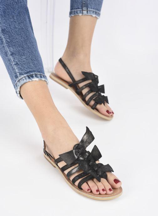 Sandales et nu-pieds Georgia Rose Kindra Noir vue bas / vue portée sac
