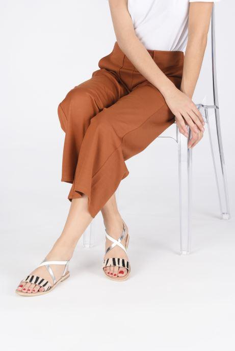Sandales et nu-pieds Georgia Rose Kacia Argent vue bas / vue portée sac