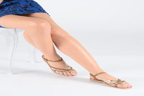 Sandales et nu-pieds Georgia Rose Kaorou Marron vue bas / vue portée sac