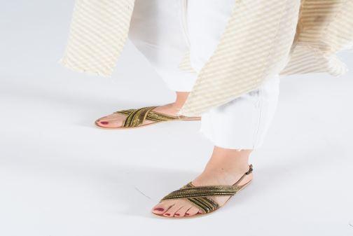 Sandales et nu-pieds Georgia Rose Kaperla Bleu vue bas / vue portée sac