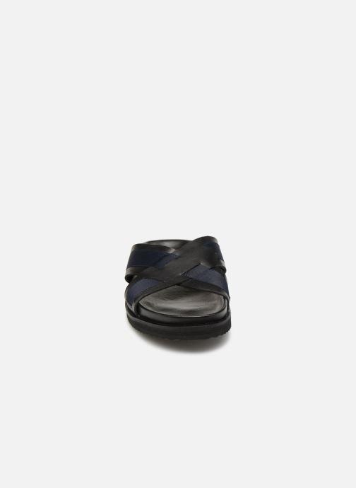 Sandales et nu-pieds Kickers SYLSON Noir vue portées chaussures