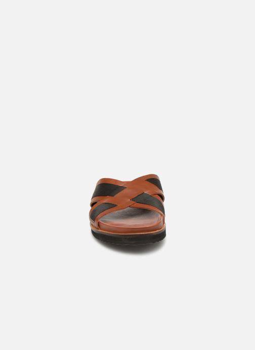 Sandales et nu-pieds Kickers SYLSON Marron vue portées chaussures