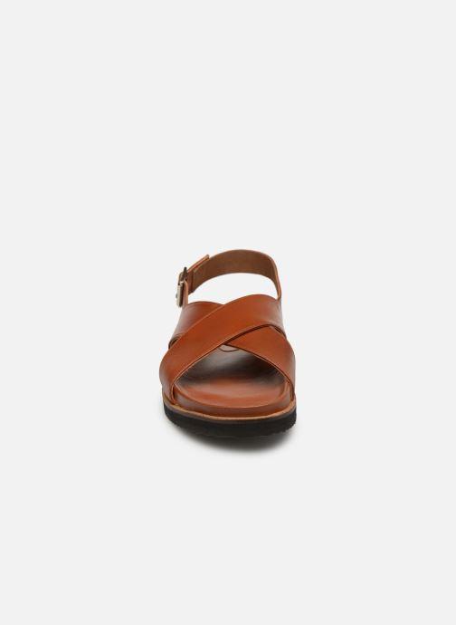 Sandales et nu-pieds Kickers SANDROSS Marron vue portées chaussures