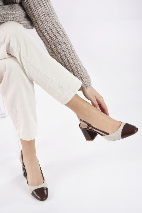 Sandales et nu-pieds Jonak VAMELIA Marron vue bas / vue portée sac
