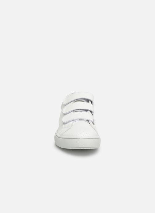 Sneakers Georgia Rose Cypriane Vit bild av skorna på
