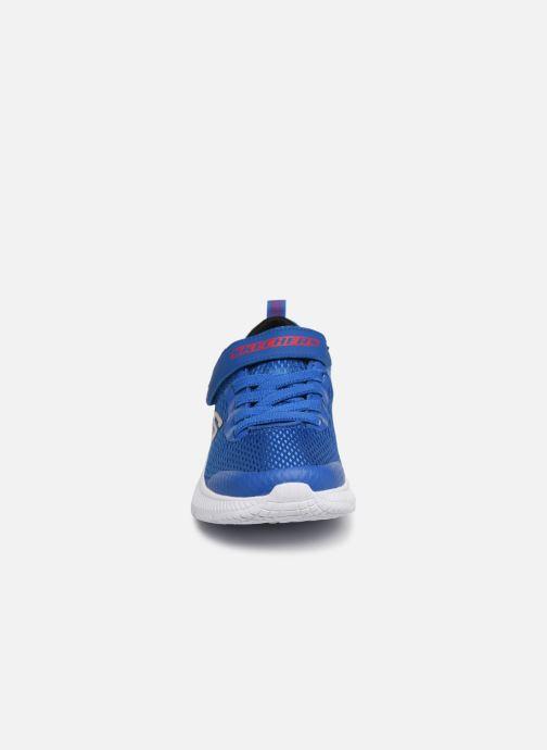 Sneakers Skechers Dyna-Air Azzurro modello indossato