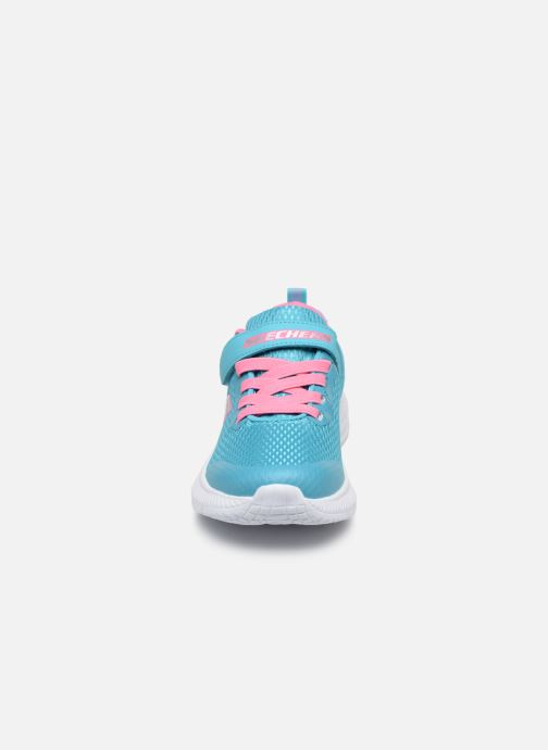 Baskets Skechers Dyna-Air Bleu vue portées chaussures