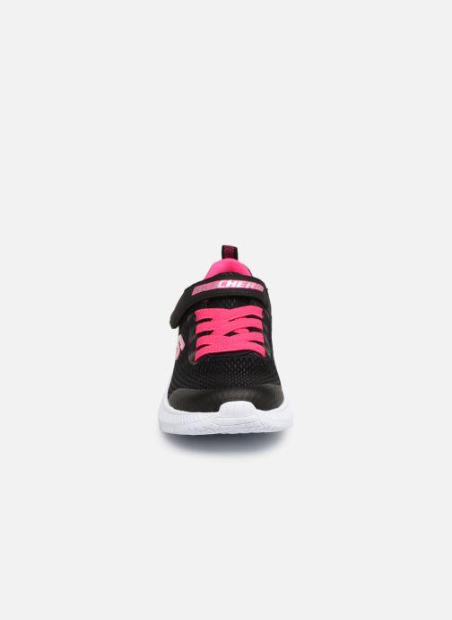Sneaker Skechers Dyna-Air schwarz schuhe getragen