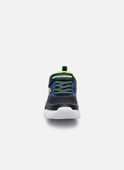 Sneaker Skechers Flex-Glow schwarz schuhe getragen