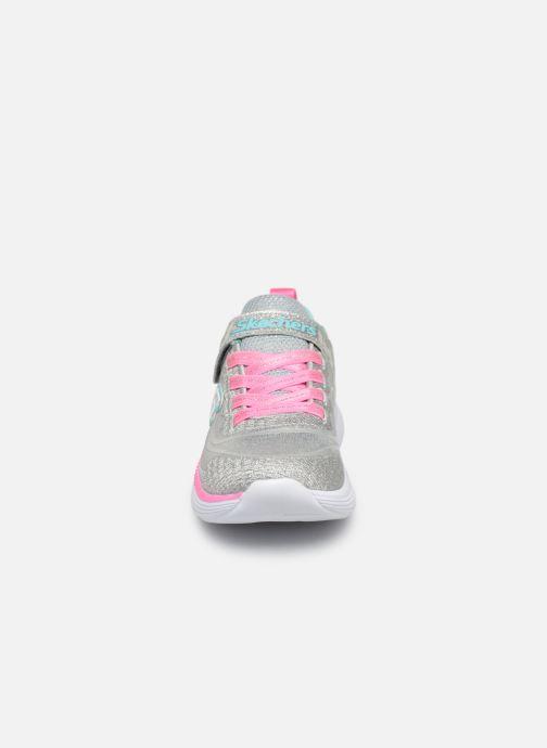 Chaussures de sport Skechers Move 'N Groove Argent vue portées chaussures