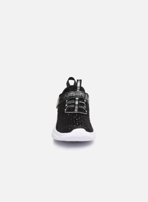 Sportschuhe Skechers Meridian schwarz schuhe getragen