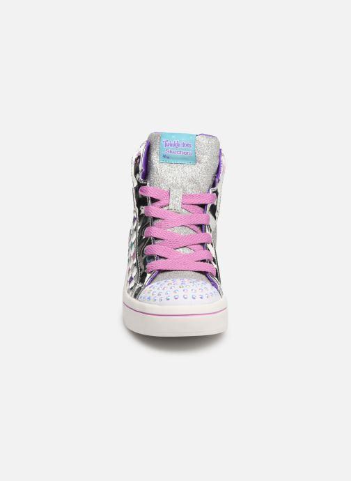 Sneakers Skechers Twi-Lites Sparkle Status Argento modello indossato