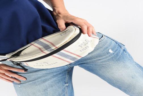 Portemonnaies & Clutches Polo Ralph Lauren FANNY PACK CROSSBODY SMALL weiß ansicht von unten / tasche getragen