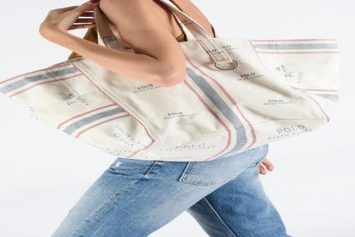 Handtaschen Polo Ralph Lauren MD SQ LDRY TOTE M weiß ansicht von unten / tasche getragen