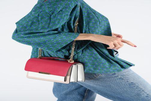 Handtaschen Michael Michael Kors JADE LG GUSSET SHOULDER rosa ansicht von unten / tasche getragen